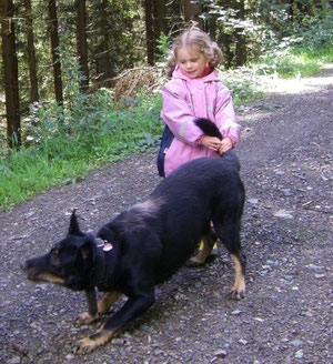 Leo und Johanna, der kein Hund zu groß ist!