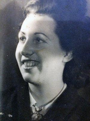 Portrait de Pauline, la mère d'Albert qui tiendra le café toute sa vie.