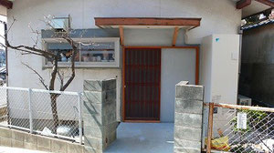 玄関 車椅子用に引き戸(古い建具)