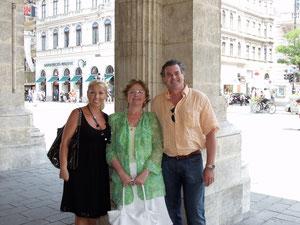 With Edita Gruberova and Anna Smiech in Vienna