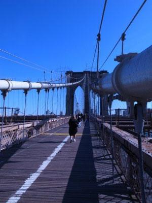 ブルックリンブリッジは渡りたかったんです;;ちなみに全長2キロのつり橋です。