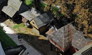 Décors dans le parc du Château de Pierrefonds