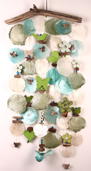 Windspiel in grün - blau - natur in sommerlichem Design.