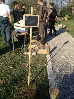 Elèves créant le jardin du goût lors de la formation au lycée agricole d'Ondes