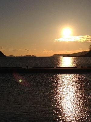 初日の出 女川湾から江島を望む