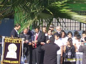 EL Alcalde Cosme Mellado Pino, junto al Director Jorge Fuentes Canales haciendo el tradicional corte de cinta