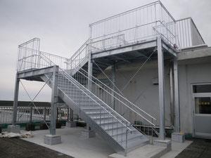 吉田町立住吉小学校避難階段