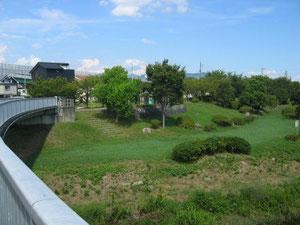 塩田川の河口部の公園です。