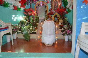 Dans la chapelle du guériseur Abel, Acapulco