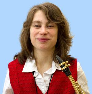 Andrea Hauzu , die Tochter von Walter ist unsere 1. Alt-Saxophonistin