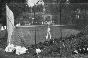 Der ehemalige Tennisplatz an der Seeburg.
