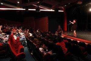 Débats des collèges en plénière, salle Gérard Philippe pour Ramdam 2013