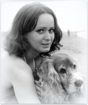 Birgitta Kuhlmey mit Cocker-Spaniel in Norderey
