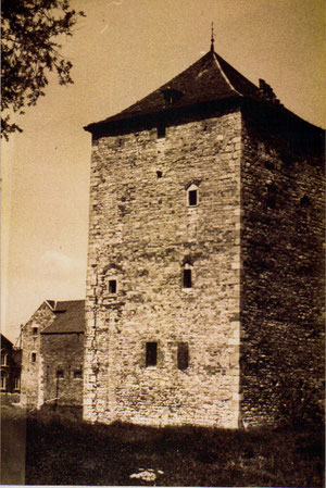 Tour ancien Château XIII iès