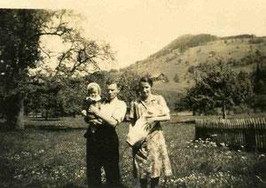 Alfred und Heidi Iten mit den ältesten Kindern.