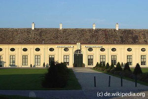 Die Porzellanmanufaktur befindet sich in dem schönen Schloss Augarten.
