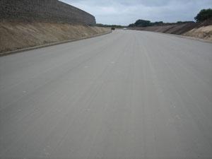 Fertige Sand Zementverfestigung ohne Nachgradern.
