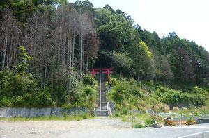 三嶋神社の鳥居です