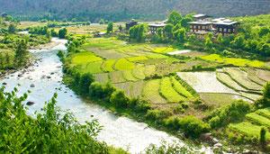 Reise von West nach Ost durch Bhutan, Maskentänze und Klosterfeste in Mongar und Trashigang