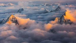 Trekking Mount Everest