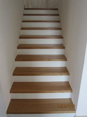 nach der Belegung mit Stufen in 45mm Eichenholz