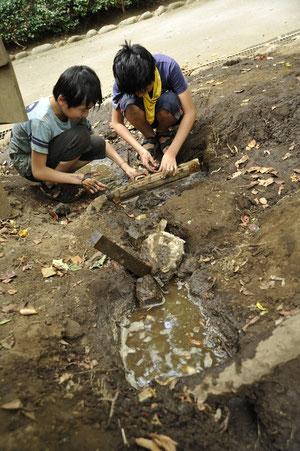 ダム作り、実行委員も子どもの頃よくやりました。