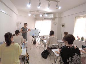 短期で安い東京のネイルスクール、マックスオーガニックネイルスクールの講習