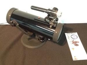 2012年準グランプリ作品。天体望遠鏡をのぞいてみると、そこには何種類もの万華鏡世界が