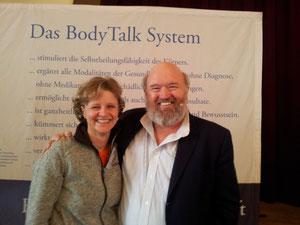 """John Veltheim und ich auf dem Seminar """"Östliche Medizin""""  im März 2013"""