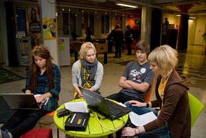la tv con e per i giovani: NETARI-TV