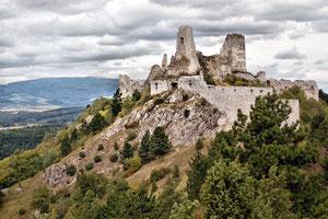 Burg Cachtice im heutigen Zustand