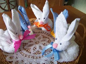 Une bande de petits lapins
