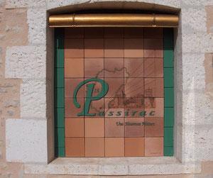 décoration de la fenêtre aveugle de la Salle des Fêtes de Passirac - 2007