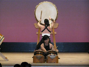 大元組さん 大太鼓と締めのコラボ こちらも見応えがありました。