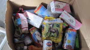 Futter für Ratten, Hunde,  Babykatzen, Hasen- sogar Leckerlies für Pferde