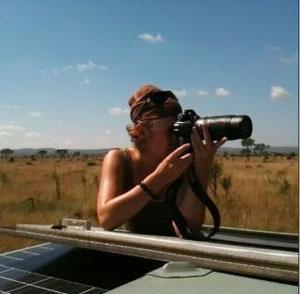 Safari - Luke beim Einfamilienhäuschen