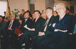 Gerhard Schröder 1997 bei der Verleihung der Stadtrechte für Sehnde, damals noch als Ministerpräsident des Landes Niedersachsen