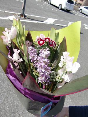 プレゼント用に頼んだ花束