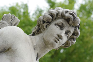 Skulptur im Praxisgarten