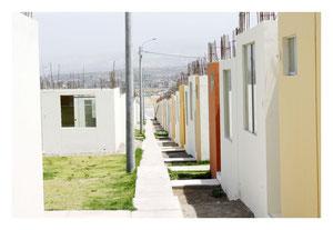 Neue kleine Häuser – gebaut von Paz Peru in Characato
