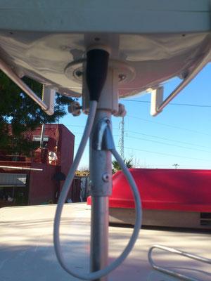 Así es como queda una vez colocada la antena en el mástil. Abajo, vídeo funcionamiento antena.