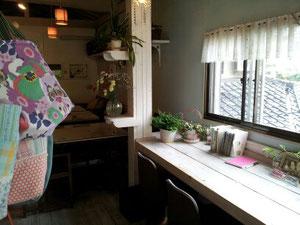 奈良市のカフェ店内