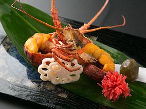 伊勢海老活造り。松阪牛ステーキ等が付い た本格懐石プラン