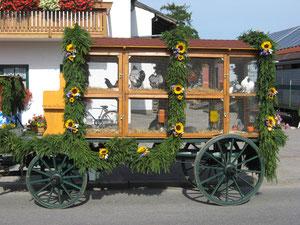 Jedes Jahr nehmen wir mit unserem Schauwagen am Leonhardiumzug in Siegertsbrunn teil
