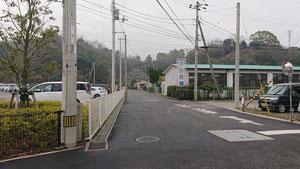 住友病院と泉幼稚園の間の道路