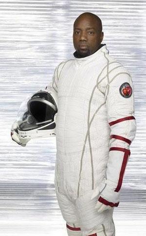 Ted Shaw ( Malik Yoba )