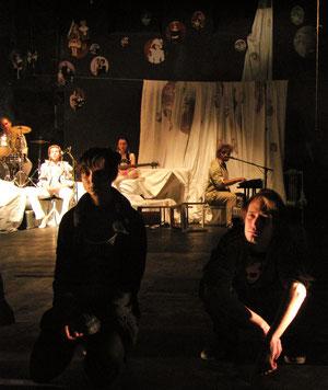 Produktion: Nach Hause; Moskau, GITIS, 2007