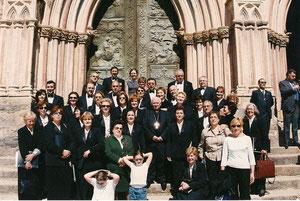 EN LA BASILICA DE Ntrª. Srª: GUADALUPE CON EL ARZOBISPO DE TOLEDO D. ANTONIO CAÑIZARES . 2004