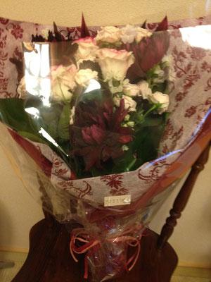 こ〜んなに綺麗なお花を頂きました!嬉しい!有り難うございます!