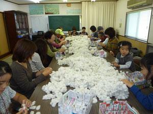 みんなで河内木綿の清掃